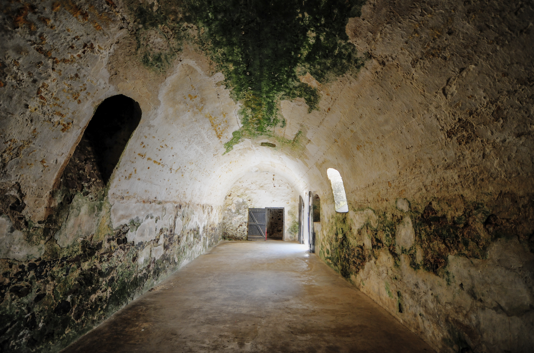 Dungeon where male slaves were kept prior to transshipment.