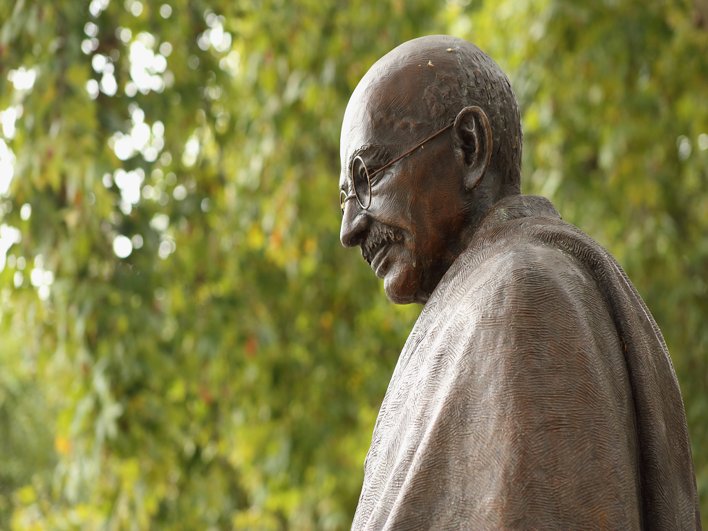 3 Leadership Traits That Made Mohandas Gandhi An Interesting Person