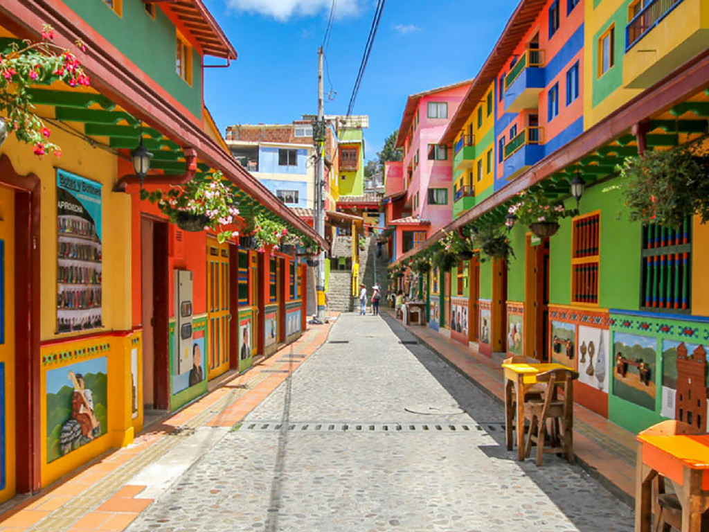Candid Photographs Of One Of The World's Most Colorful Towns